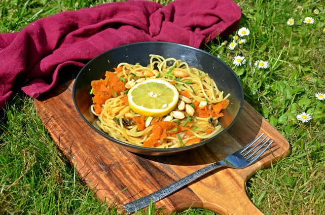 spaghettis façon thaï carottes cacahuètes