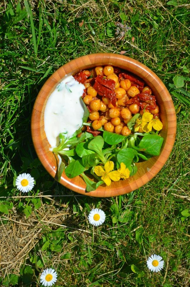 salade végétalienne pois chiches tomates citron basilic