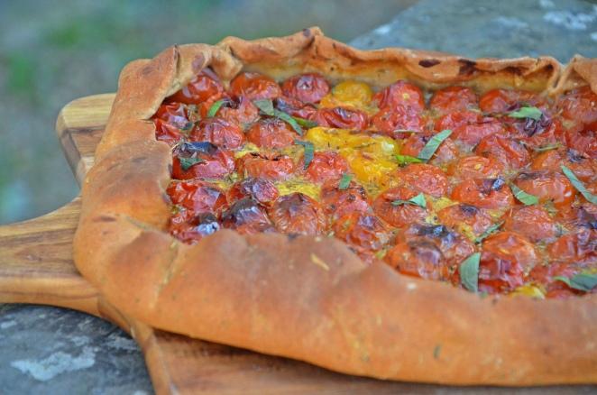 tarte rustique vegan tomates cerises et menthe